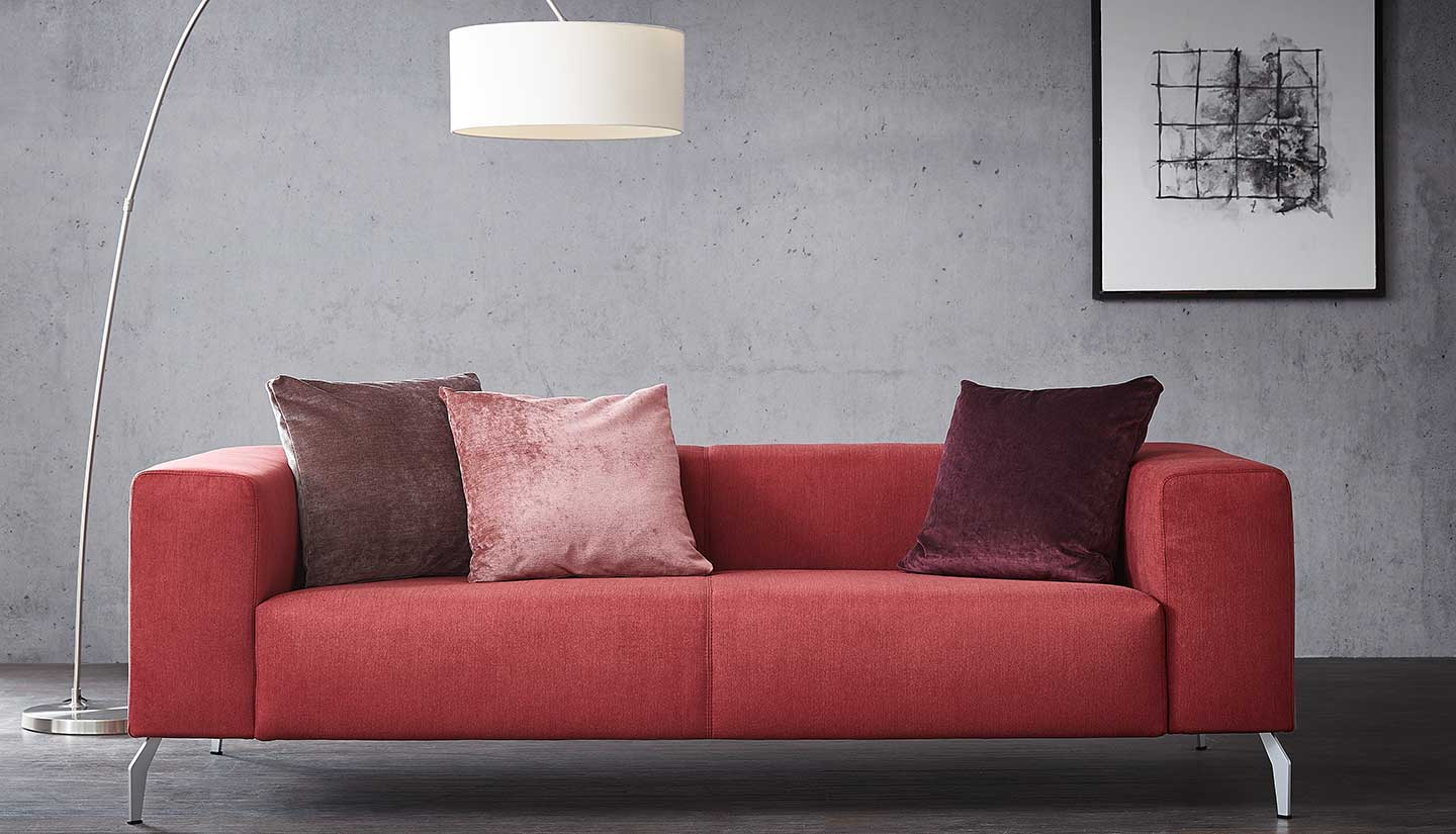 Saddler Sofa 01