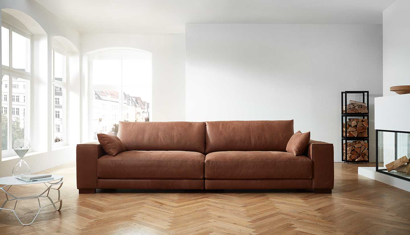 Saddler Sofa 39